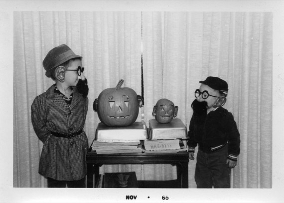 Retro+Halloween+Kid+Costumes+%284%29
