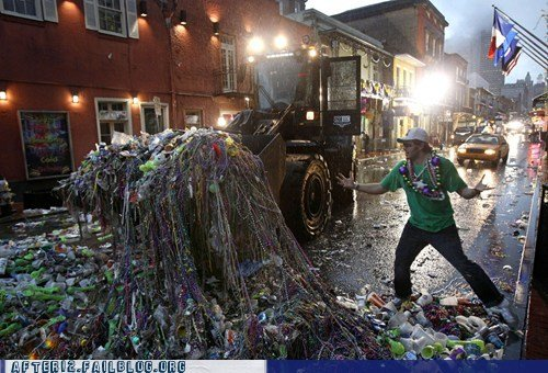 Mardi+gras+clean+up+hell+of+a+mess_0f00cc_3381063